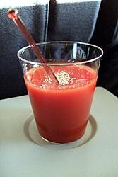 Tomatensaft (nur im Flugzeug wirklich gut) - Bild © Endl 2007